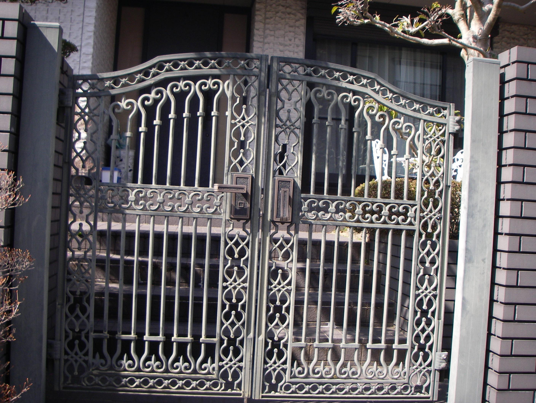アルミ製門扉1施工前