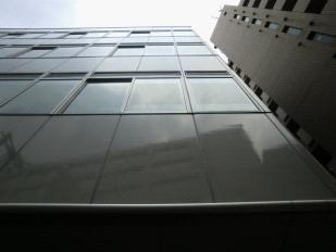 ビルの外壁(アルミ外壁パネル)施工後
