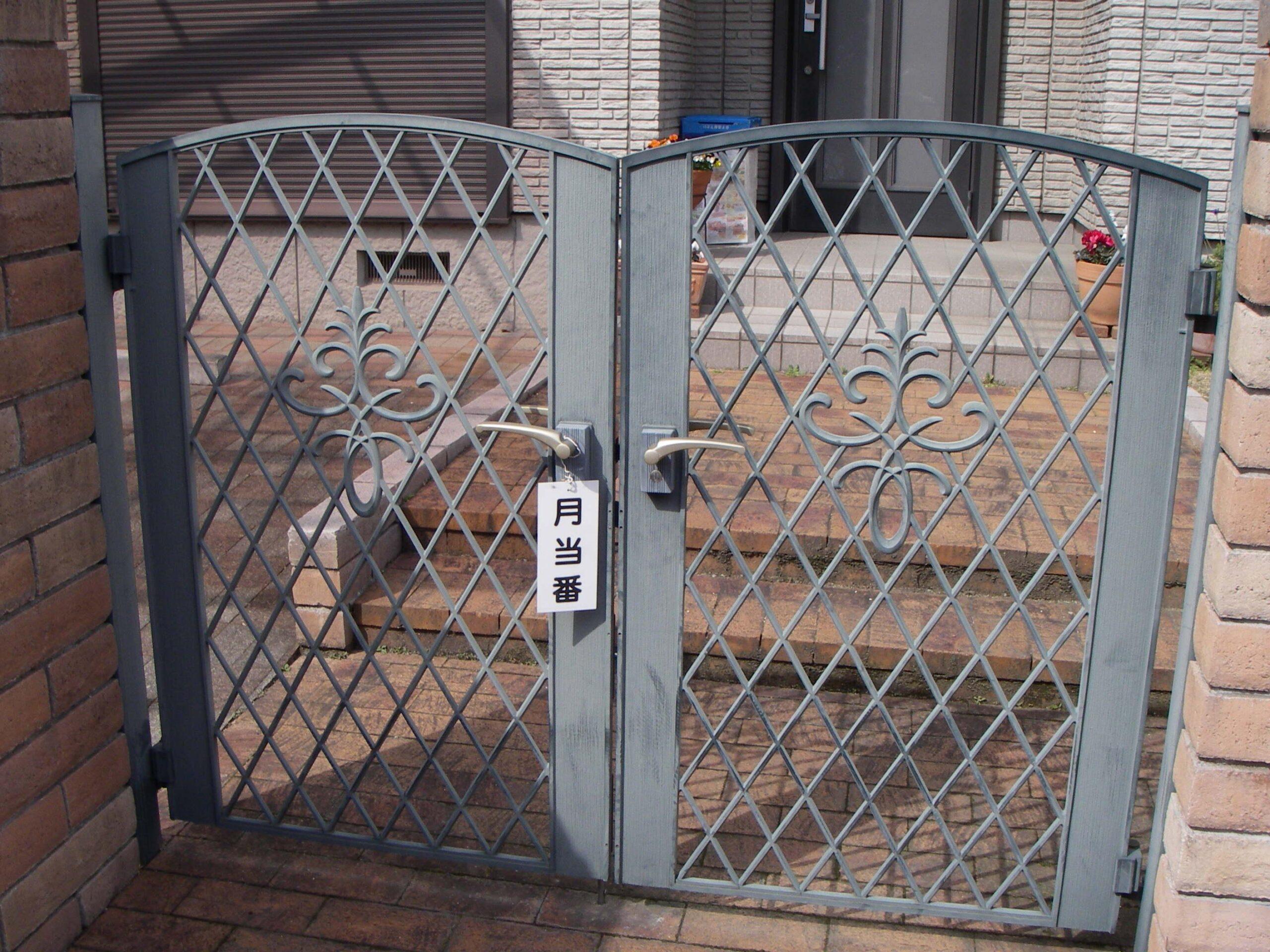 アルミ製門扉3施工前